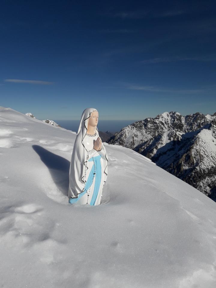 Vierge au sommet